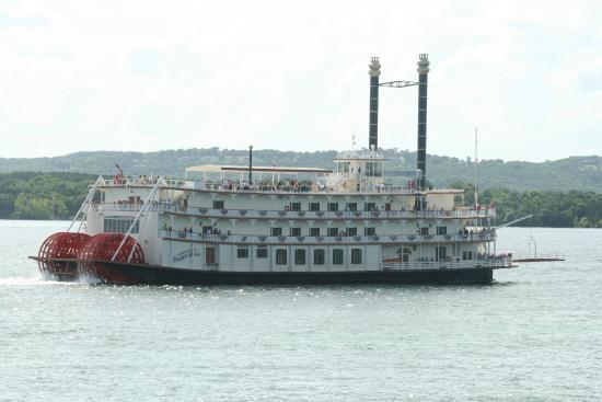 Table Rock Lake: The Branson Belle showboat