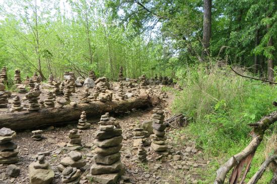 Devils Den Arkansas Map.Opening With Zen Stacked Rocks Picture Of Devil S Den State Park