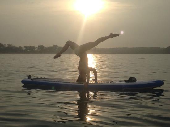 Muskoka Lakes, Canadá: Creativity, upside-down, sunrise