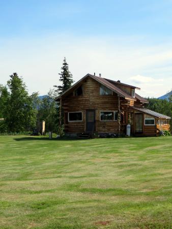 Huck Hobbit's Homestead Hostel
