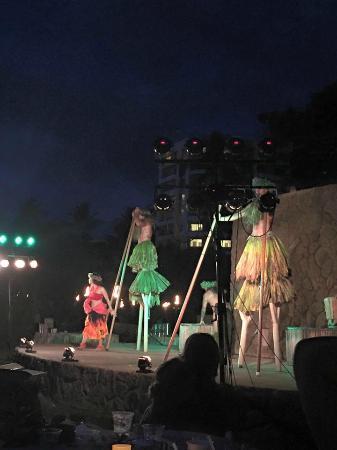 The Grand Luau at Honua'ula: Dinner show
