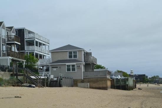 Dyer's Beach House: Beach House from the beech