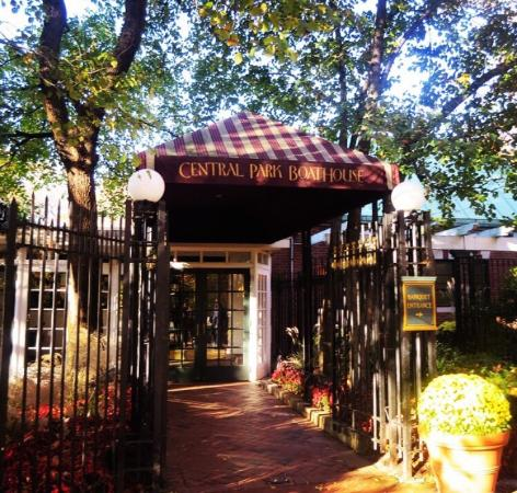The outside terrace picture of tavern on the green new for Terrace on the green