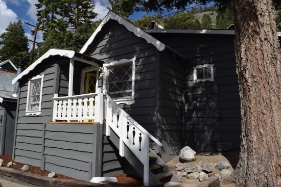 Cabin 12 picture of june lake pines june lake tripadvisor for Lakefront cabins june lake