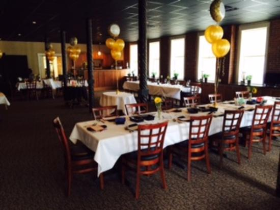 Farmington, ME: Inside the Greenwood Dining Room