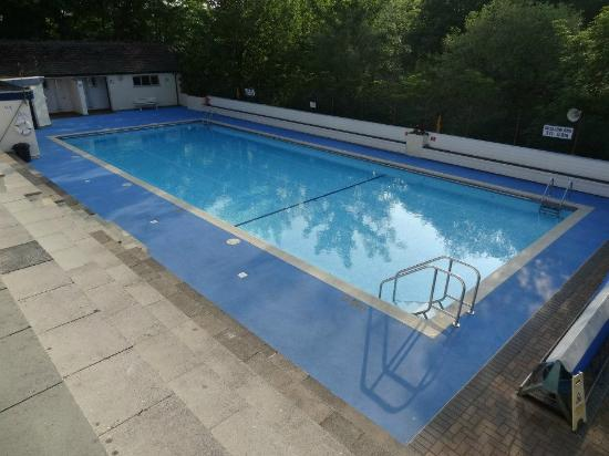 Ingleton Open Air Heated Pool