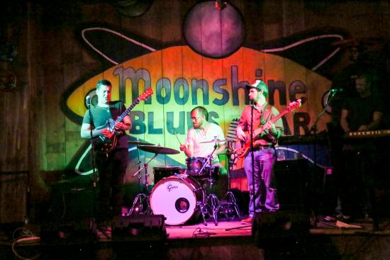 Moonshine Blues Bar