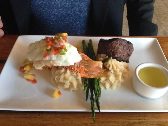 Chateau Grille: Lobster :)