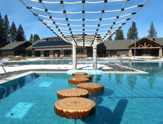Sunriver Homeowners Aquatic & Recreation Center: Lumber pads are fun. Bob up and down in the water, and hang on.