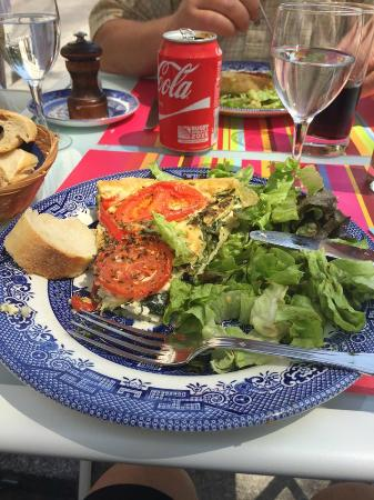 The Tea Caddy: Quiche & salad for lunch