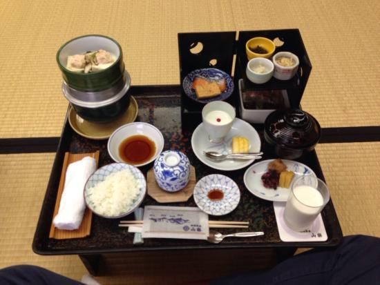 Nasu onsen Sanraku: 歴史ある宿で食事が豪華。