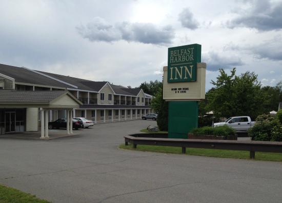 Belfast Harbor Inn: The front of the inn
