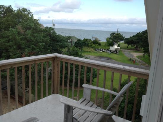 The Cove Bed and Breakfast: We enjoyed the view from our balcony!