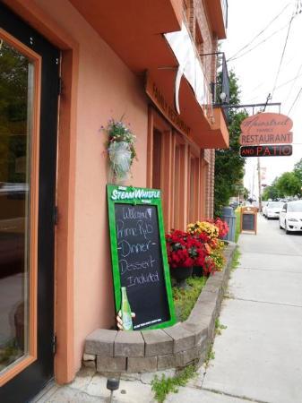 Mainstreet Family Restaurant: Main street