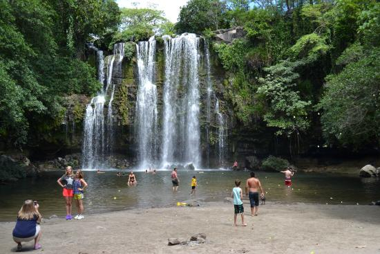 Get Lost In Costa Rica: Waterfall on the way to Rincon