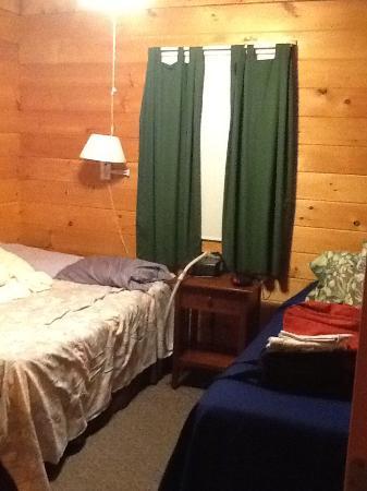 Snowfield Cabins: Bedroom