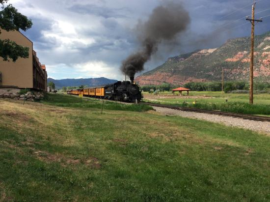 United Campground: Silverton-Durango train coming by our site.