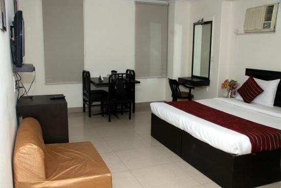 Hotel Dakha International : Super Deluxe category rooms with all the services and facilities of the Premium room with t