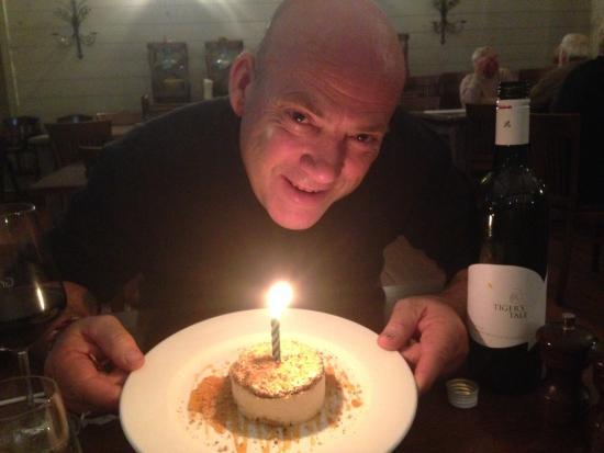 Graze Willow Tree Inn: Happy Birthday! Yummy dessert.