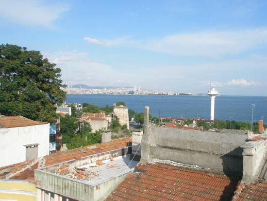 Artefes Hotel Istanbul: Another view of the Sea of Marmara