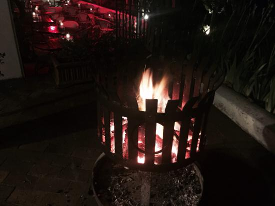 Pastis: Outside fire place