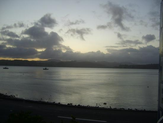 Esquire Motel: Dawn over Mangonui harbour from Room 2