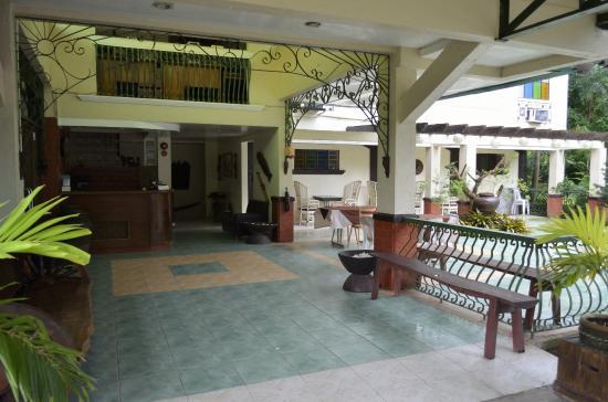 Hacienda Darasa Garden Resort Hotel in Batangas - Room ...