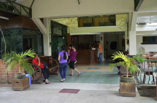 BAT'sLife: Hacienda Darasa Garden Resort (Tanauan City ...