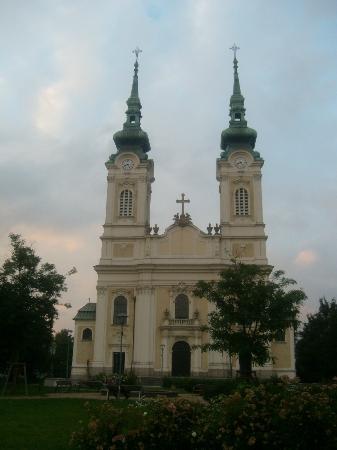 Kostel Panny Marie Kralovny