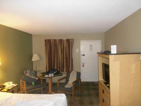 Super 8 Atlanta Northeast GA: Ma chambre - la 351