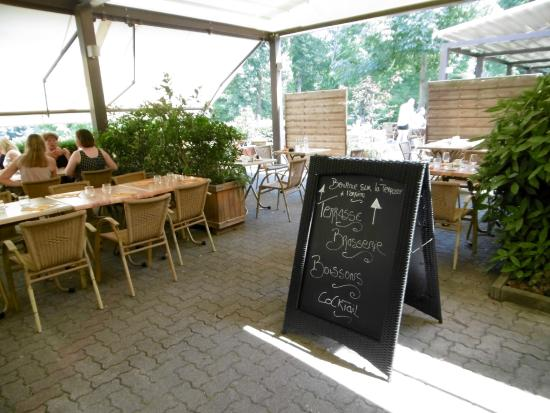 Un environnement agr able picture of jardin de l - Restaurant jardin de l orangerie strasbourg ...