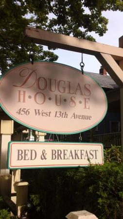 Douglas Guest House: Welcome sign.