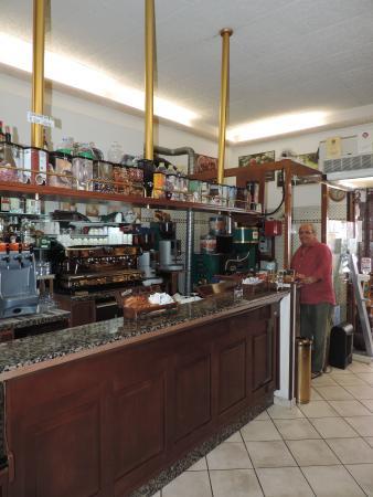 Chicco tosto torrefazione bar: caffè e cannoli