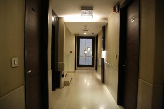 The Nanee Suites: Corridor