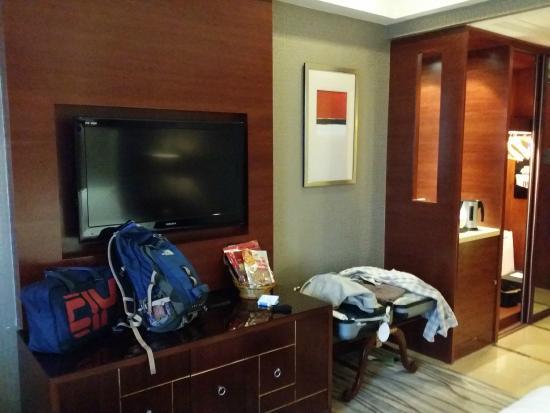Yingxiang Jinjiang International Hotel: TV and Free Wifi Internet