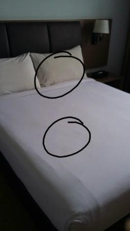 Hotel Sentral Melaka The Dirty Bedsheet And Yellowish Pillow