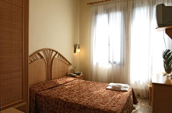 Hotel Villa Orio: stanza singola