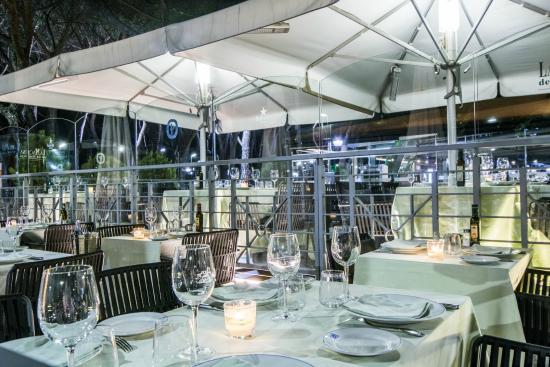 La terraza con la iluminaci n nocturna photo de la for Terrazas nocturnas madrid