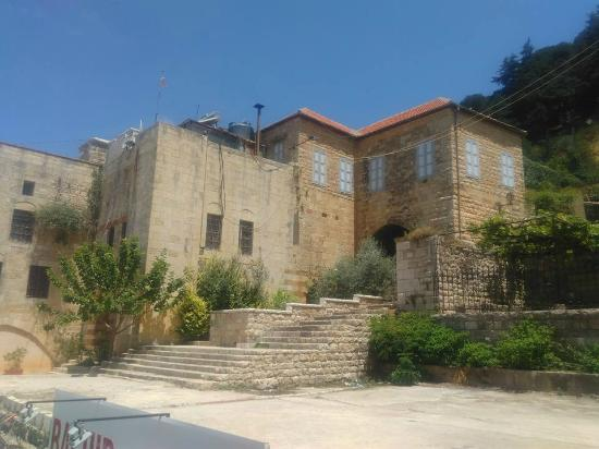 ‪Palace of Emir Younes Maan‬