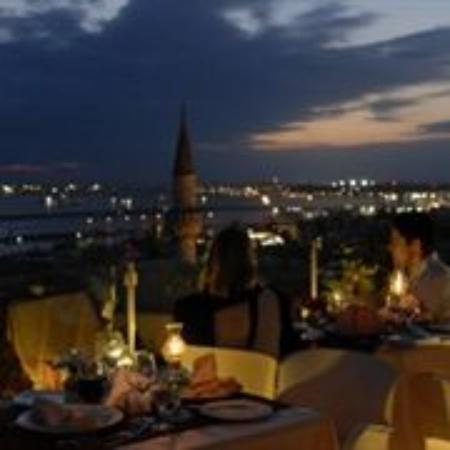 Daphne Hotel: Terrace Restaurant