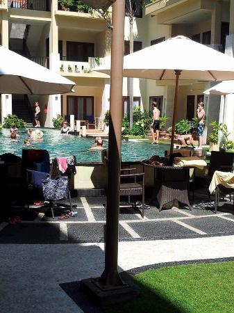 Kuta Townhouse Apartments: Pool
