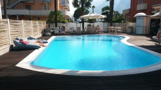 Hotel Villa Enrica: Poolbereich