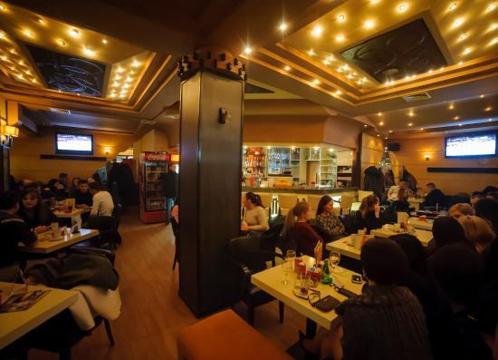 Prima pizzeria: getlstd_property_photo