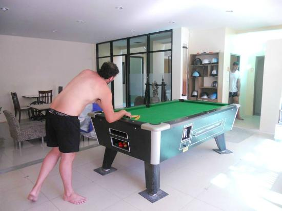 The Wave Boutique Hotel: Pool Table