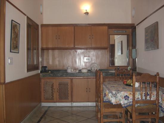 Sargam Residency: Lobby