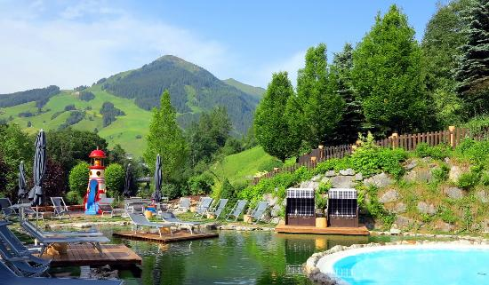 Theresia Gartenhotel: Garten, Pools, Naturschwimmteich