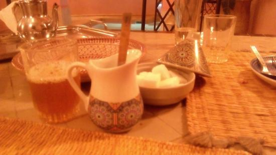 Riad Tahani: Vajilla para el té