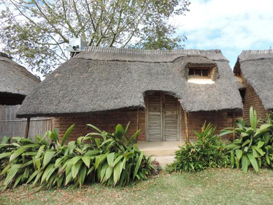 Mgoza Lodge: Our little beach-front cottage