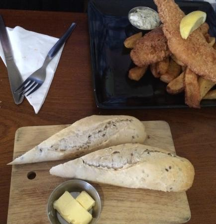 Flanagan's: Fish and chips with side of bread - at least the bread was nice.