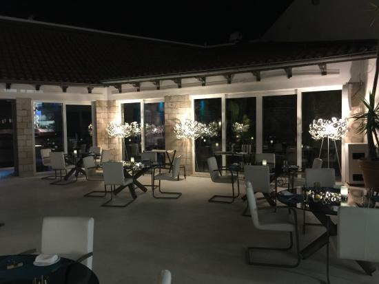 Restaurant 360 lower level